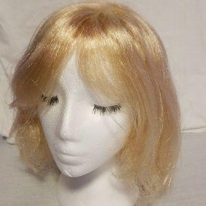 Costume wig